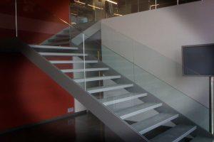 Escaleras y barandillas de aluminio - carpintería de alumino - Derplas - Manresa - Bages - Barcelona